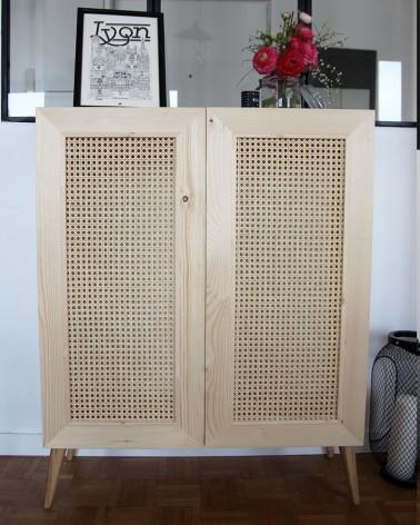 Buffet pin avec portes en cannage et pieds compas en chene massif, Boost My Design - 100 % fabriqué en France